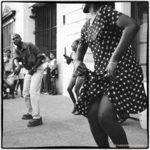 踊るキューバ01「甘いもの食べれば優しくなる?」 小町剛廣撮影